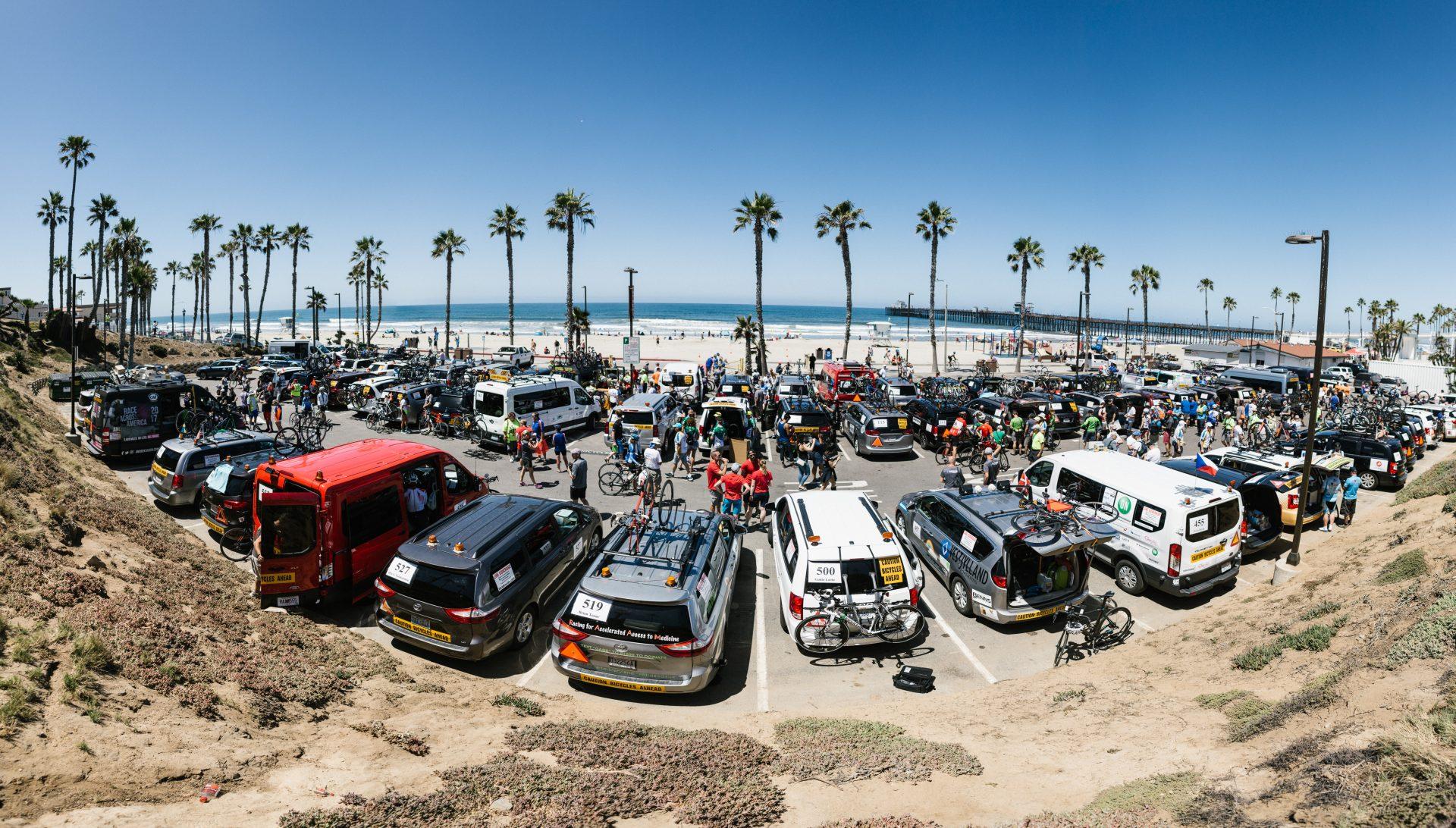 Bettys Lot: Der Parkplatz kurz vor Start des Race Across America 2017